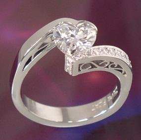 heart diamond filigree ring