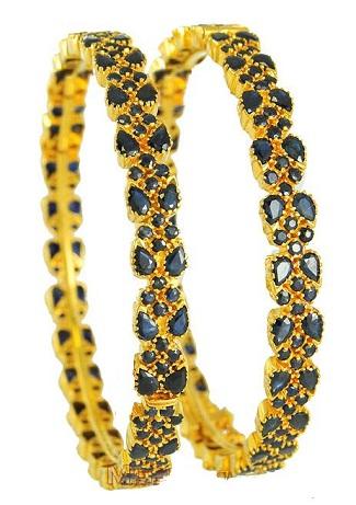 Indian Traditional Emerald-Diamond Bangle Design