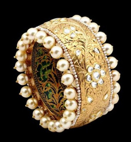 Single Bangle with Pearl