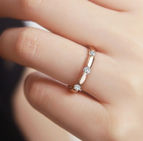 Small Diamonds Wedding Ring