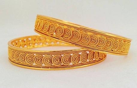 Spiral Design 20 Gram Gold Bangle
