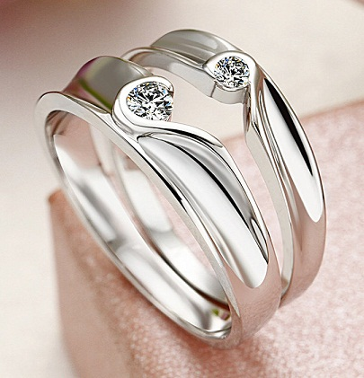 Two Half Hearts Puzzle Couple Wedding Ring Set