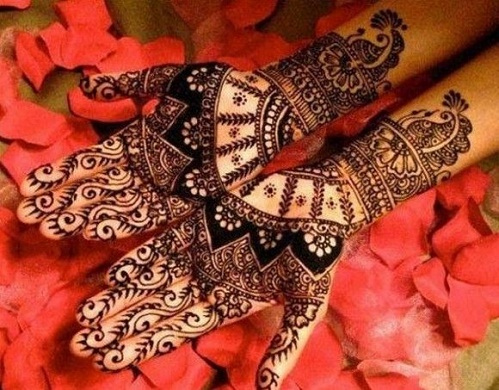 Arabian Style Heavy Look Bengali Mehndi Design