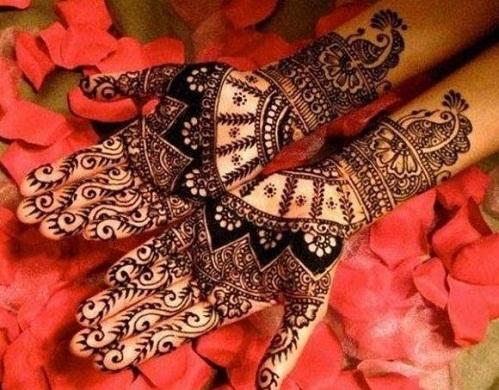Arabian Style Heavy Look Bengali Mehndi Design
