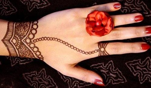 Bracelet with Ring Mehndi Design