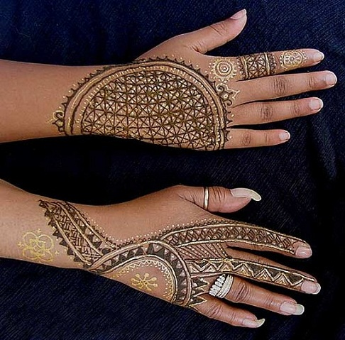 Check Single Line Mehndi Design