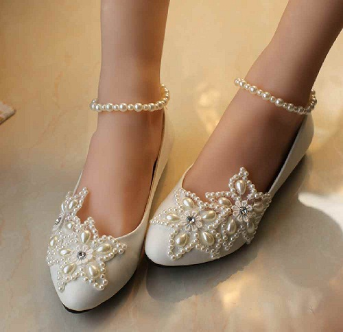 Creamy Decorated Flat Wedding Shoes