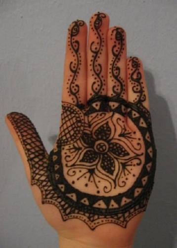 Cute Bengali Mehndi Design with Vine Theme