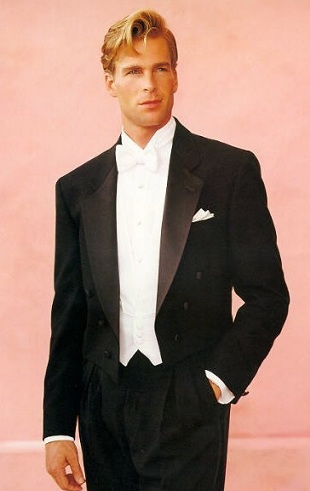 Dress tail tuxedo for men