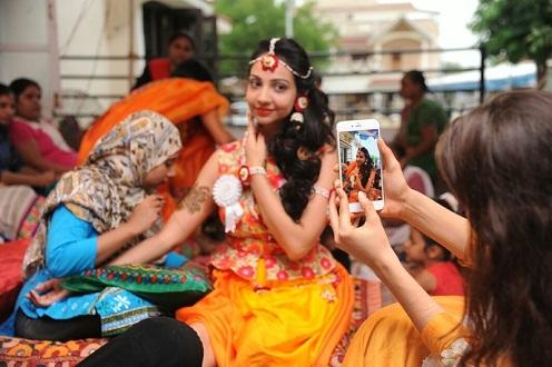 Famina Mehndi Artist in Ahmedabad