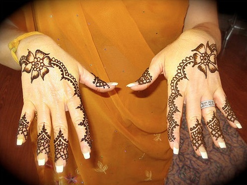 Flower Mehndi Designs For Back Hands : Latest small mehndi designs in styles at life