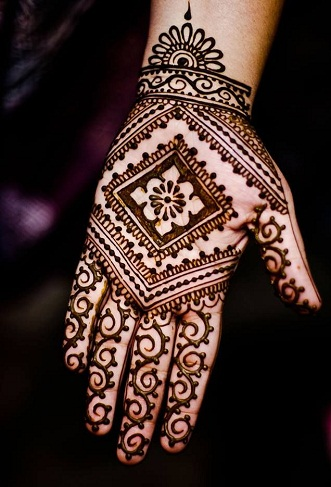 15 latest khafif mehndi designs and its specialities
