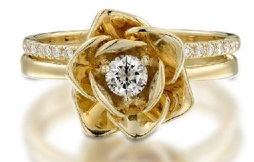 Golden Floral Design Wedding Rings