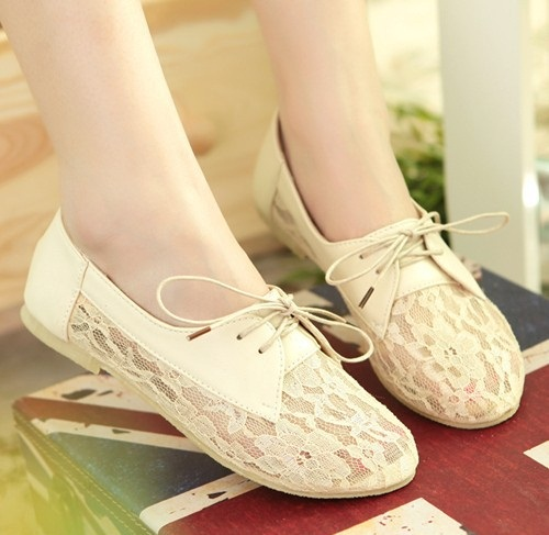 Lace Inspired Flat Shoes