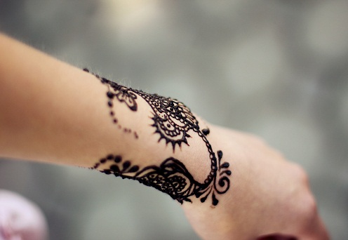 Latest Bracelet Mehndi Design