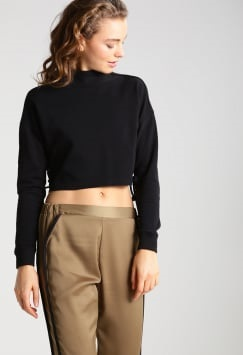 Plain Cropped BlackSweatshirt for Women