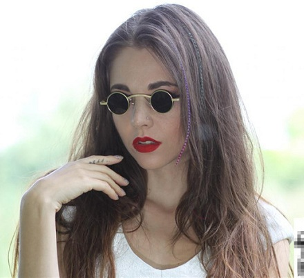 Small circled metal frame sunglasses