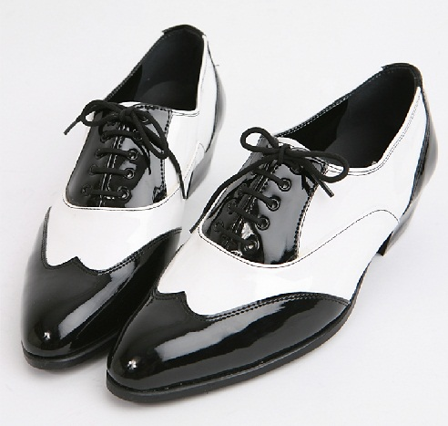 Wing Tip Lace up Shoes
