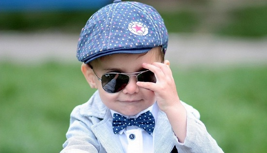 d06715d9208 10 Most Stylish Sunglasses for Kids That Looks in Fashion