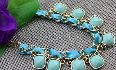 Aquamarine Gemstone linked Gold-Necklace