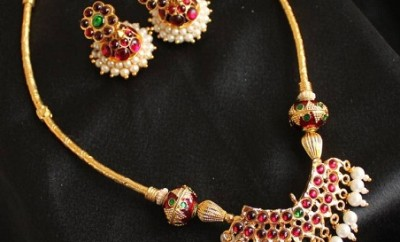 Artificial Temple Jewellery Necklace Set