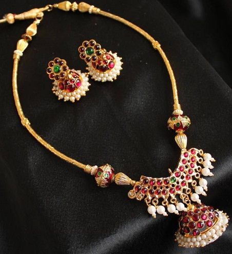 Artificial Temple Jewellery Necklace Set