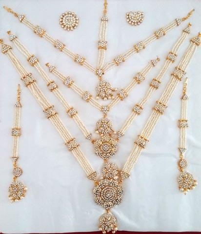 Artificial Temple Jewellery with Pearl