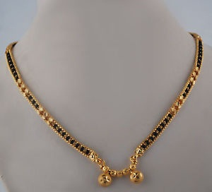 Black Bead With Gold Border Pendant Mangalsutra3