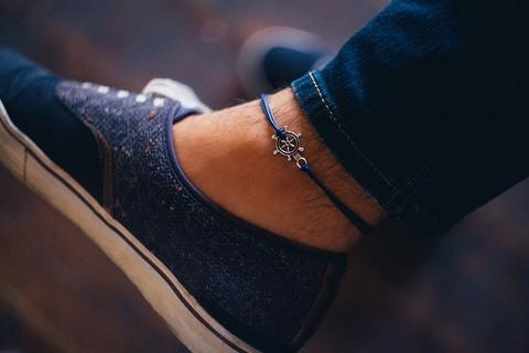 9 Handsome Mens Anklets in Different Designs