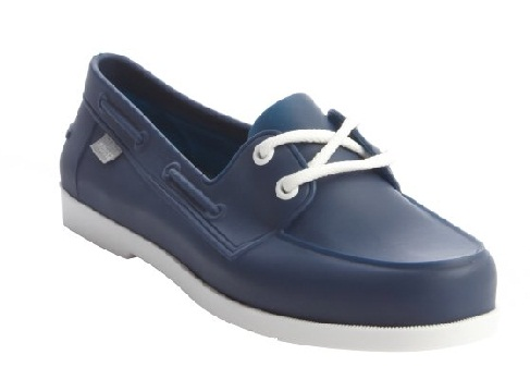 Boat style shoes