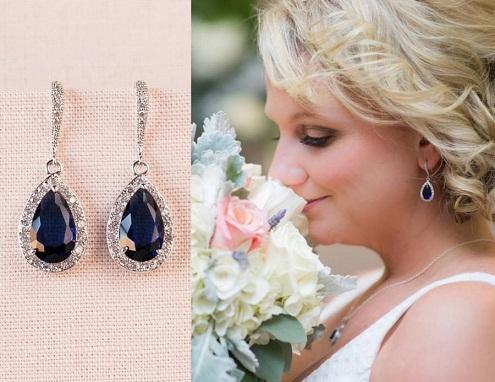 Bridal earrings with dark sapphirestud