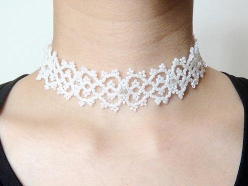 Bridal lace choker