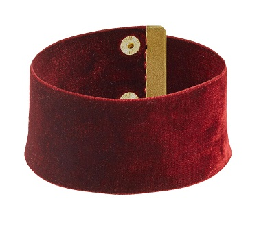 Broad band velvet choker