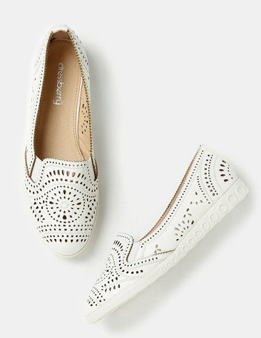 Cut-out white casual shoes for women -5