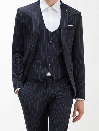 Deep U-neck suit vest