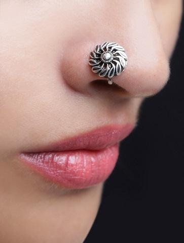 Designer Silver Stud Nose Pin