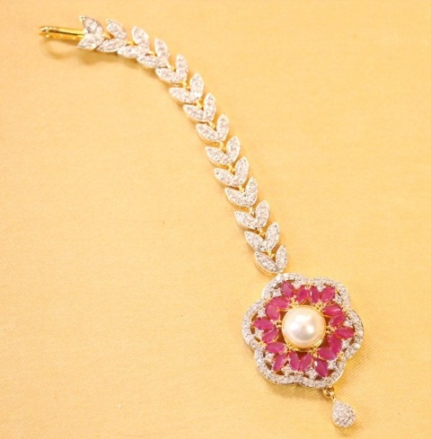 Diamond MaangTikka with Ruby Stone
