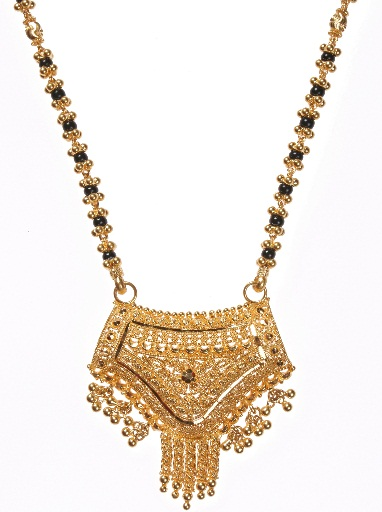 Gold locket with mangalsutra