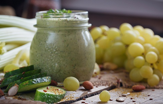 Grapes and Cucumber smoothie for burning belly fat
