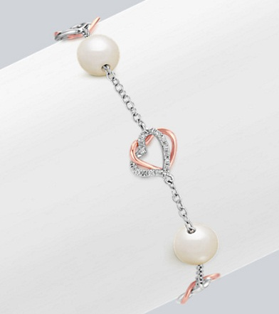Heart Bracelet with Pearls