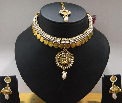 Kundan -Gold plated designer Choker set