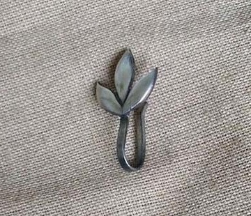 Leaf Clip on Nose Pin