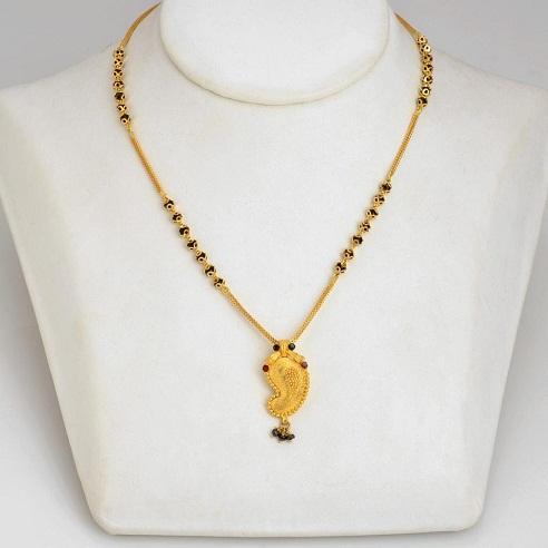 Leaf style lightweight gold mangalsutra
