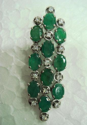 Multi stone emerald pendant