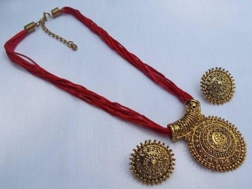Red thread mangalsutra necklace