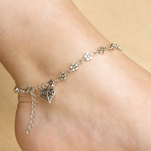 Retro heart anklet