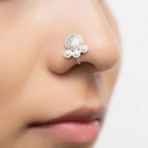 Rounded Pearl Nose Pin