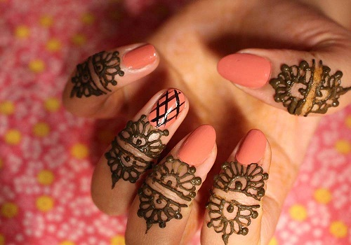 Semi Circular Loops Henna Design