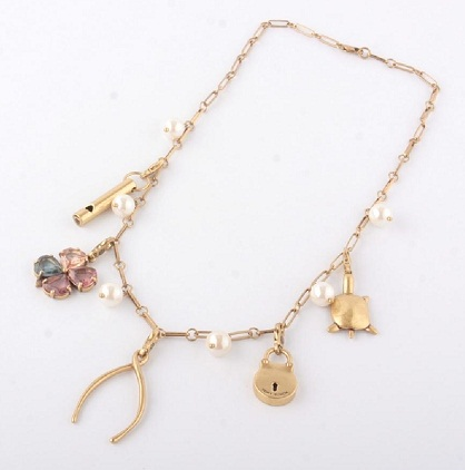 Short charm necklace