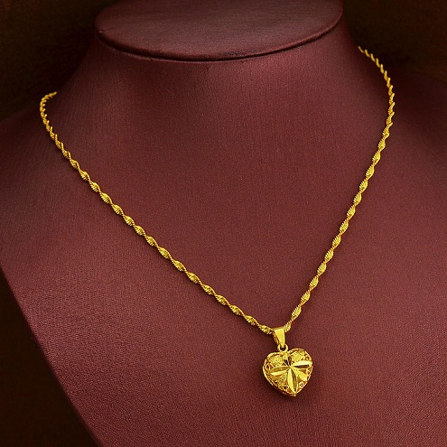 Singapore wave chain in gold